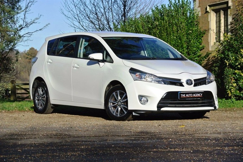 used Toyota Verso ICON D-4D in hertford-hertfordshire