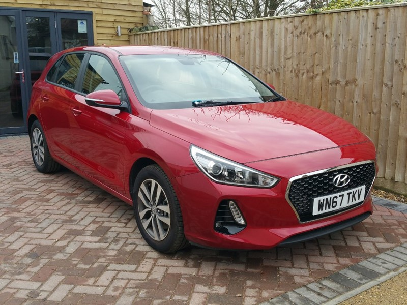 used Hyundai i30 T-GDI SE NAV  *** ONLY 2500 MILES *** in shrivenham