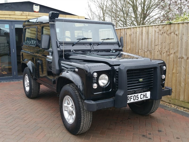 used Land Rover Defender 90 TD5 XS STATION WAGON in shrivenham