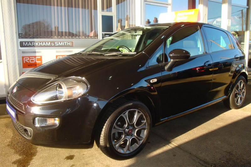 used Fiat Punto POP PLUS Super low Mileage just 16,887 from New +++ FSH + 2 Owner Car With Fiat Sat-Nav + SD Card in witham-essex