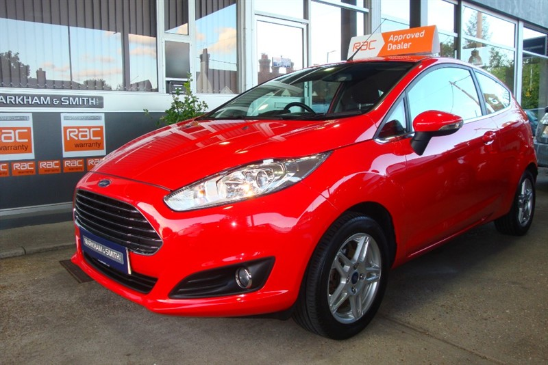 used Ford Fiesta ZETEC 3dr  Race Red  1.25   + 2 Owners + FSH (Ford) 4 Stamps + Just Serviced in witham-essex