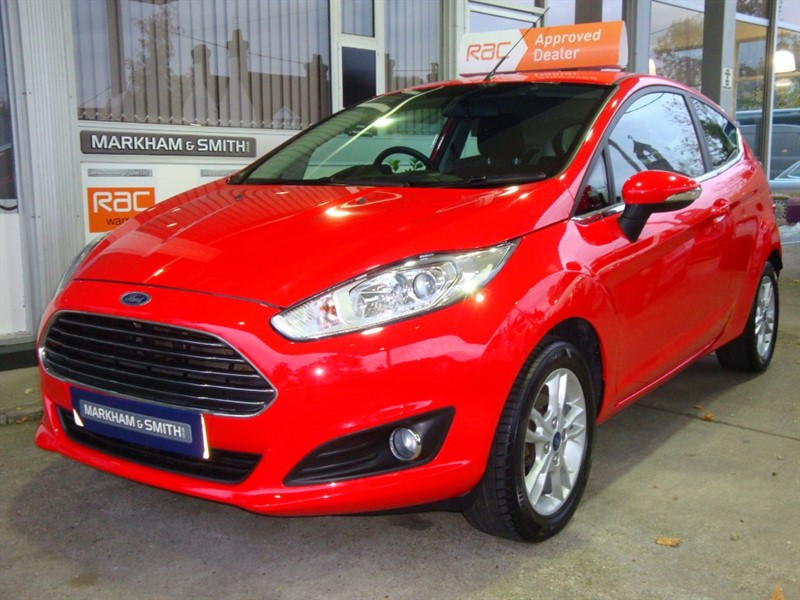 used Ford Fiesta ZETEC 2 Owners 35,500 £30 road tax FSH 4 Stamps John Grosse + Independent in witham-essex