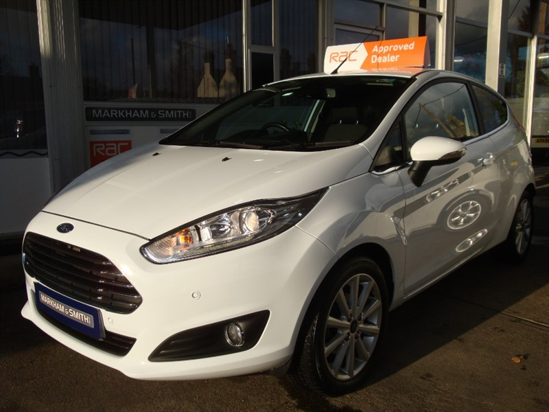 used Ford Fiesta TITANIUM TDCI  (SAT NAV FACTORY FITTED 2 OWNERS ,FSH FORD 7 STAMPS in witham-essex