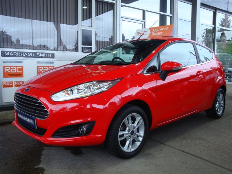 used Ford Fiesta ZETEC (Sat Nav Model)  1 Lady Owner Full Ford Service History 4 Stamps  Just 18,199 From New ++++++ in witham-essex