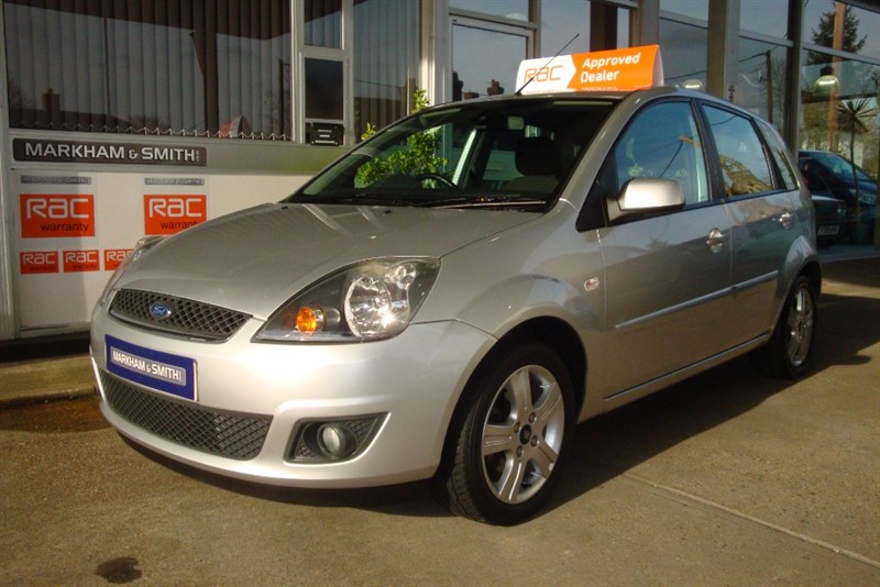 used Ford Fiesta ZETEC CLIMATE 16V in witham-essex