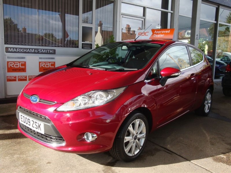 used Ford Fiesta ZETEC 1.25 3DR 1 LADY OWNER JUST +++ 22,968 MILES FROM NEW +++ FSH 7 STAMPS in witham-essex