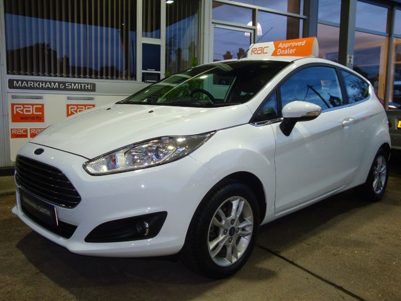 used Ford Fiesta ZETEC 17,150 Full Ford Service History (Trust Ford Surrey) 5 Stamps £30 RFL in witham-essex