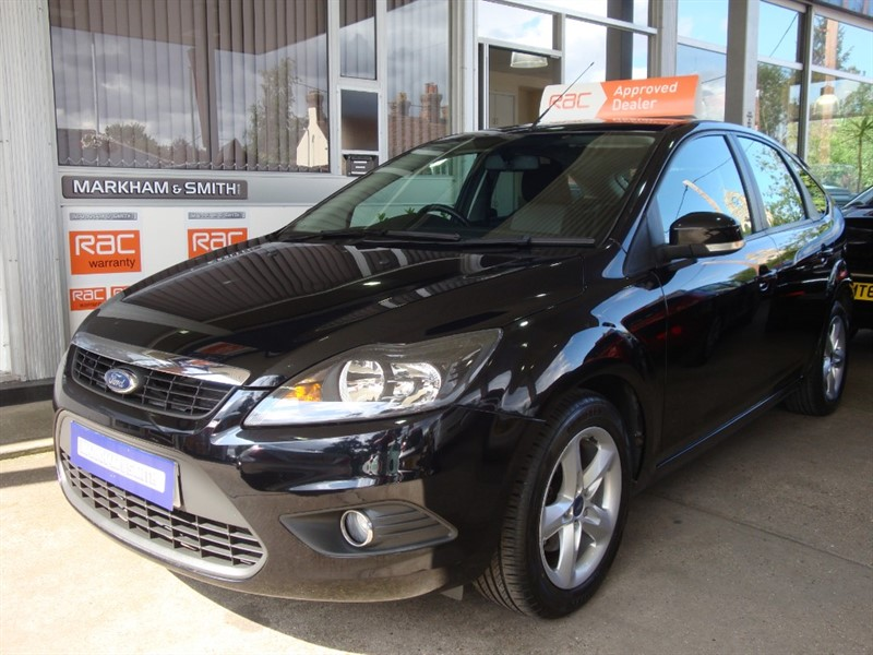 used Ford Focus ZETEC 100 AUTO +++ AMAZING LOW MILEAGE JUST 14,635 WITH FULL FORD MAIN DEALER SERVICE HISTORY in witham-essex