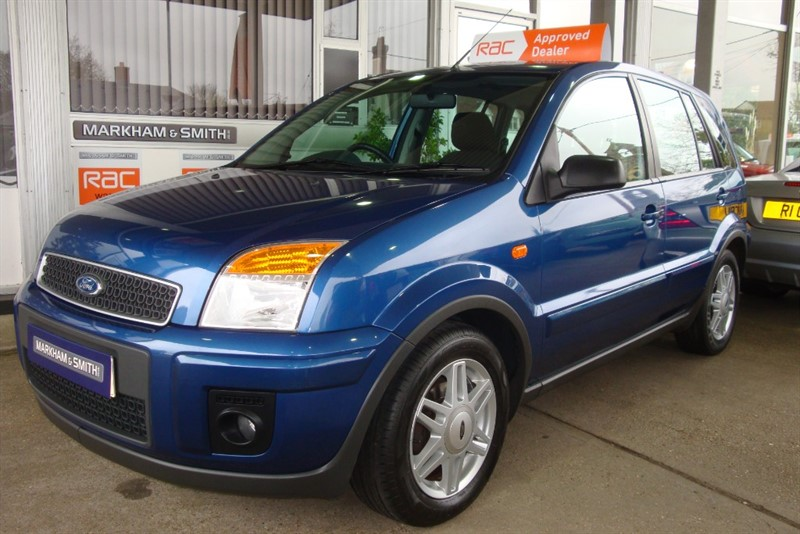 used Ford Fusion ZETEC CLIMATE 2 OWNERS + JUST 39,958 + FULL FORD SERVICE HISTORY 10 STAMPS in witham-essex