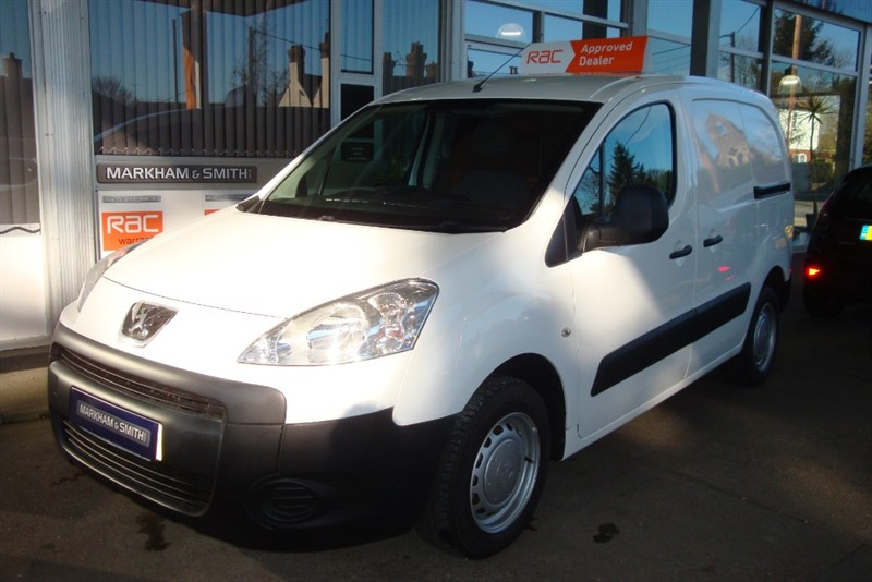 used Peugeot Partner HDI S L1 850++++++ NO VAT ++++++2 owner van FSH Timing Belt + Water Pump Changed 15/2/18 in witham-essex
