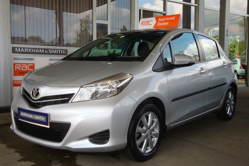 used Toyota Yaris VVT-I TR 5dr + 1 Owner +Full Toyota Main Dealer Service History 6 Stamps in witham-essex