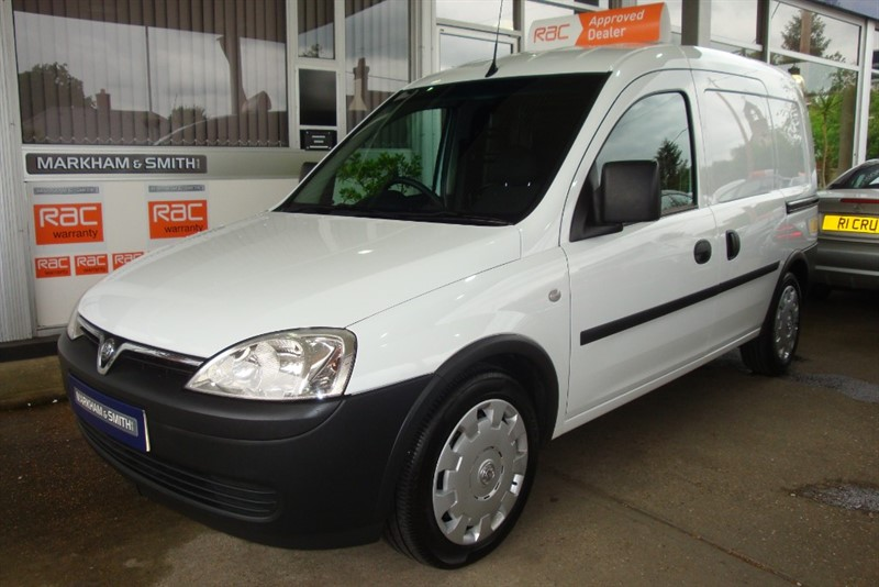 used Vauxhall Combo 2000 CDTI A/C One Owner (BT)  Full Service History  + 45,615 in witham-essex