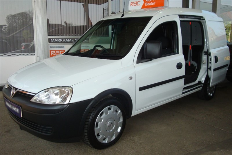 used Vauxhall Combo 2000 CDTI 1 Owner BT Low Miles 36,055 + Spare Key +Full  Service with Printout in witham-essex
