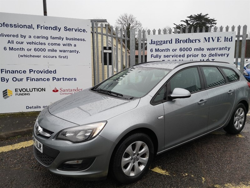 used Vauxhall Astra 1.3 Cdti Design Ac Tourer in Newmarket-Suffolk