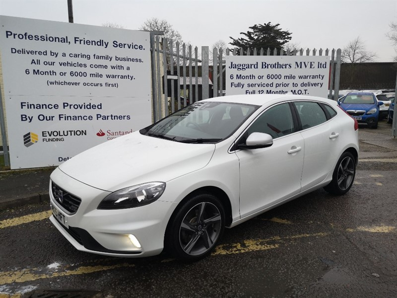 used Volvo V40 T2 R-DESIGN in Newmarket-Suffolk