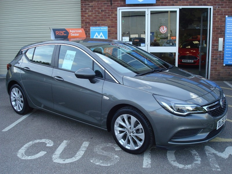used Vauxhall Astra DESIGN CDTI S/S in totnes-devon