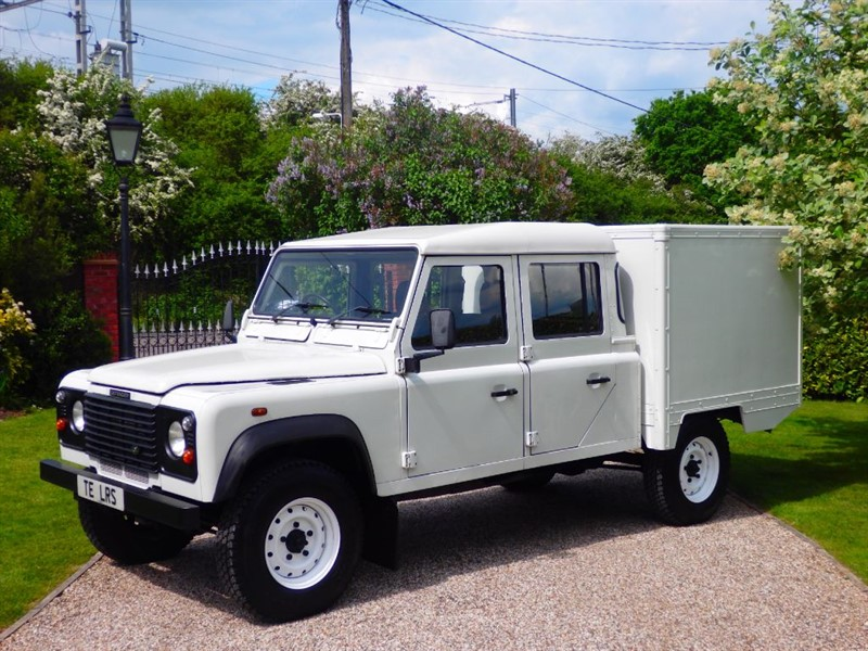 used Land Rover Defender 130 TD5 CREW CAB JUST 65K MILES £13,000 +VAT in chelmsford-essex