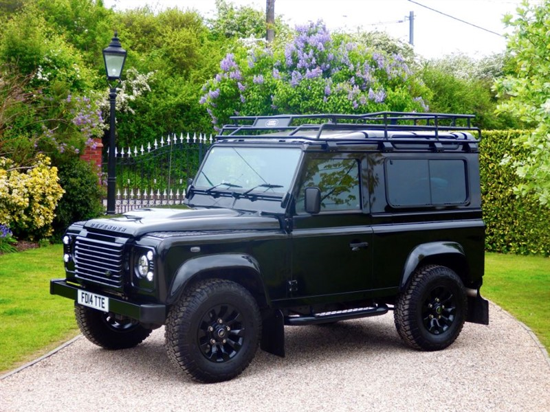 used Land Rover Defender 90 TDCI XS STATION WAGON 1 OWNER! GREAT LOOKING EXAMPLE! MANY EXTRAS! in chelmsford-essex
