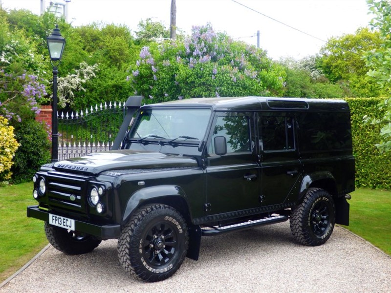 used Land Rover Defender 110 TDCI XS UTILITY WAGON 2 OWNERS MANY EXTRAS! A GREAT LOOKING EXAMPLE! in chelmsford-essex
