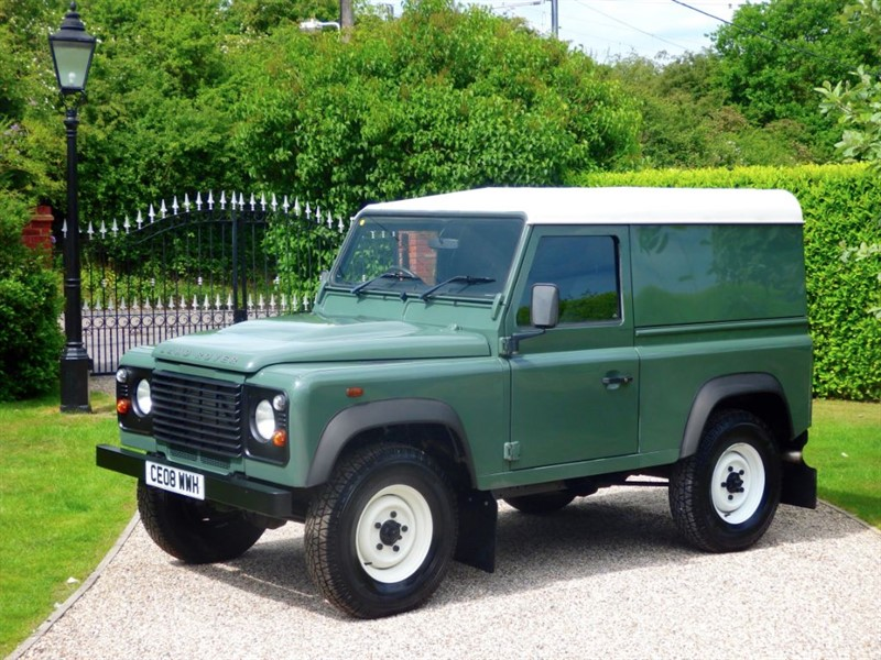 used Land Rover Defender 90 TDCI HARD TOP SWB JUST 22,000 MILES! VERY CLEAN EXAMPLE! in chelmsford-essex