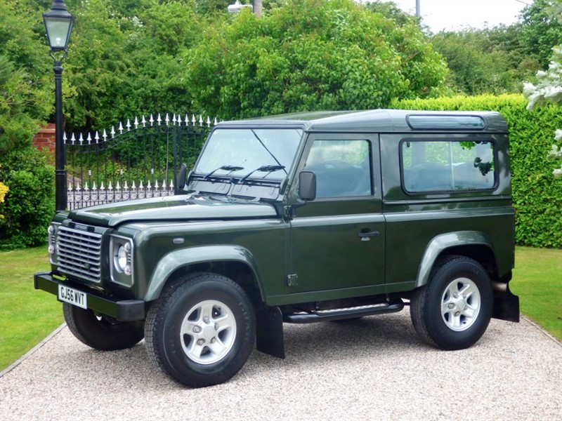 used Land Rover Defender 90 TD5 XS STATION WAGON 1 OWNER! LAST OF THE Td5 6 SEATERS! in chelmsford-essex