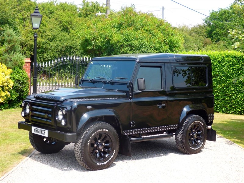 used Land Rover Defender 90 TDCI XS STATION WAGON JUST 29,000 MILES! MANY EXTRAS! STUNNING EXAMPLE! in chelmsford-essex