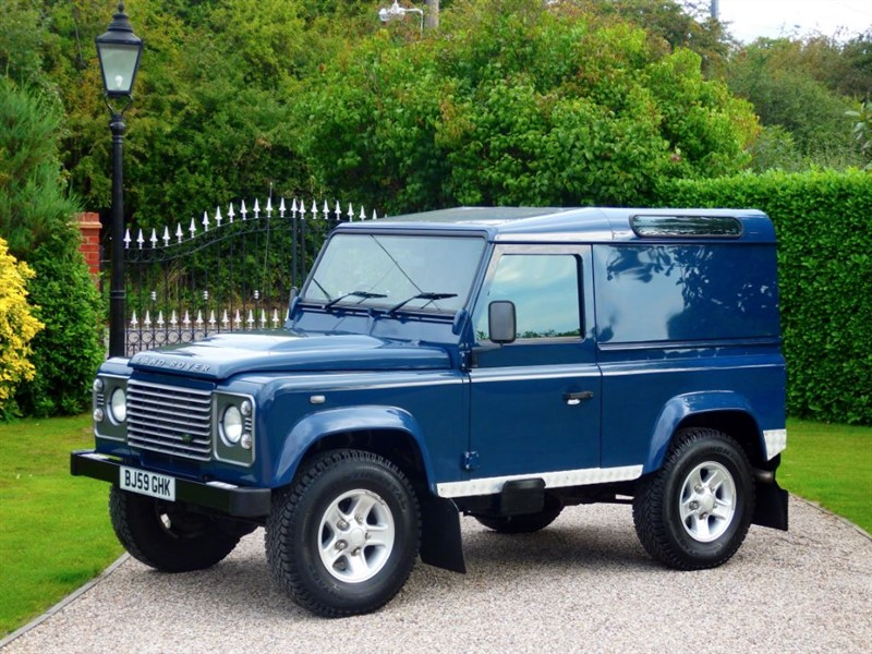 used Land Rover Defender 90 2.4 TDCI COUNTY HARD TOP JUST 1 OWNER! FULL LAND ROVER SERVICE HISTORY! in chelmsford-essex