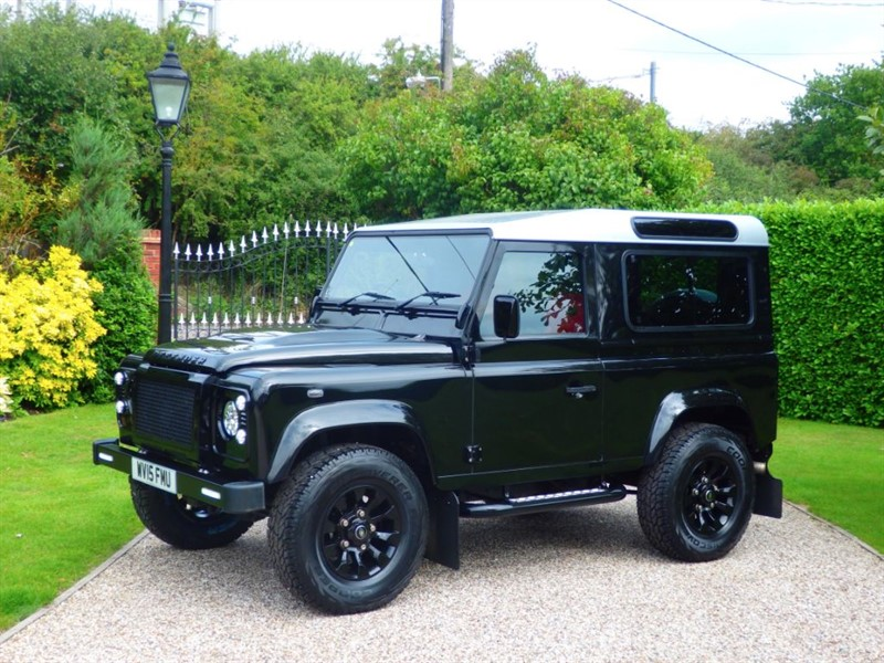 used Land Rover Defender 90 TDCI XS STATION WAGON SUPERB LOOKING VEHCILE! FULL LEATHER SEATS! in chelmsford-essex