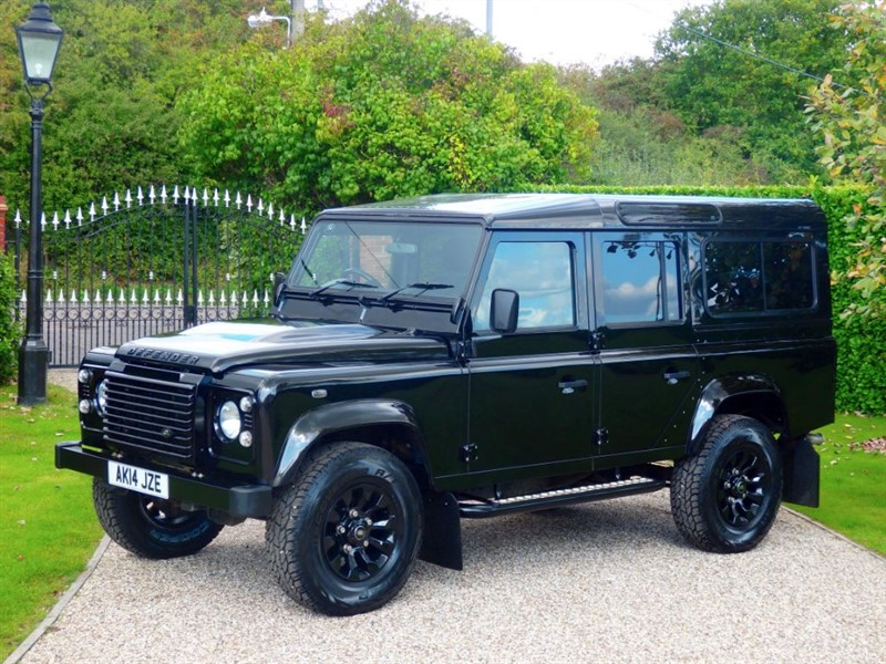 used Land Rover Defender 110 TDCI XS STATION WAGON 1 OWNER! VAT Q £26,000 + VAT in chelmsford-essex