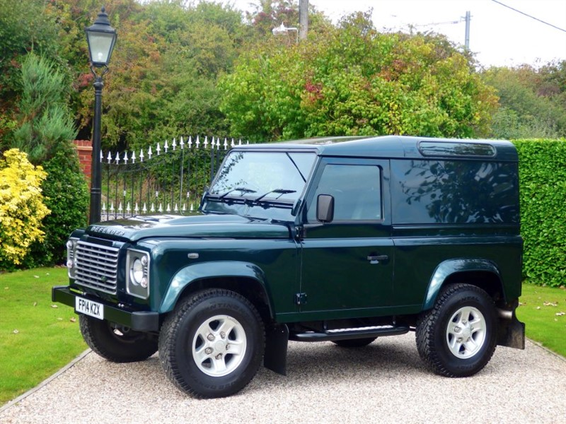 used Land Rover Defender 90 TDCI HARD TOP XS! 1 OWNER! FSH! VAT INCLUSIVE £24,995.84 + VAT in chelmsford-essex