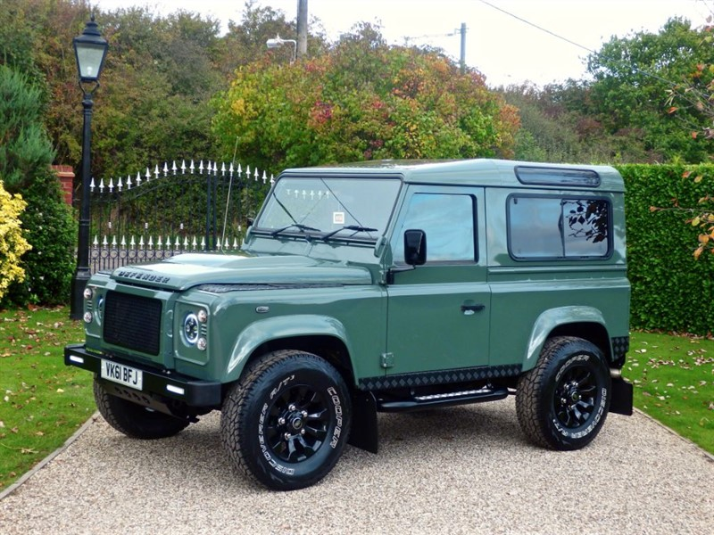 used Land Rover Defender 90 TDCI XS STATION WAGON 1 OWNER! AMAZING LOOKING 90! RARE KESWICK GREEN! in chelmsford-essex
