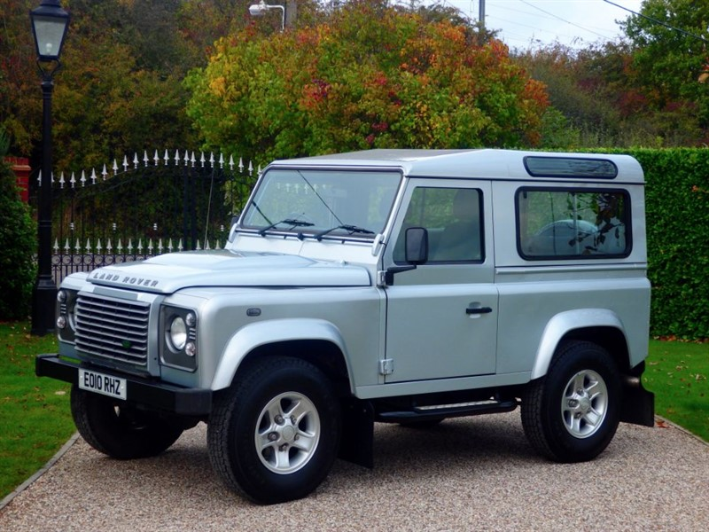 used Land Rover Defender 90 XS STATION WAGON 1 LOCAL OWNER! FULL SERVICE HISTORY! JUST 32,000 MILES in chelmsford-essex