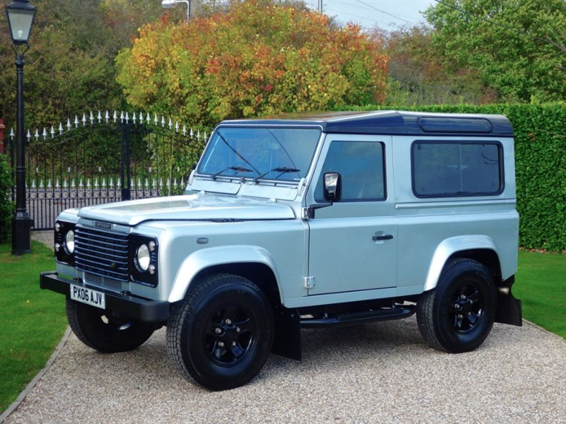 used Land Rover Defender 90 TD5 COUNTY STATION WAGON! GREAT LOOKING EXAMPLE! 6 SEATER! in chelmsford-essex