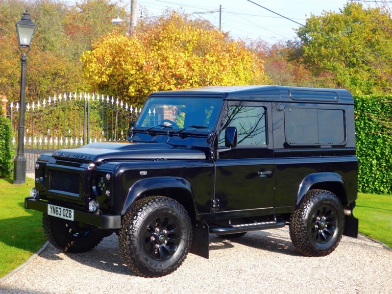 used Land Rover Defender 90 TDCI XS STATION WAGON! FANTASTIC LOOKING EXAMPLE! JUST 17,000 MILES! in chelmsford-essex