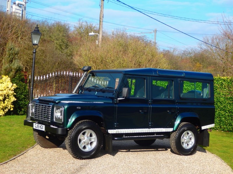 used Land Rover Defender 110 TDCI XS STATION WAGON 1 OWNER! GREAT FACTORY EXTRAS!  in chelmsford-essex
