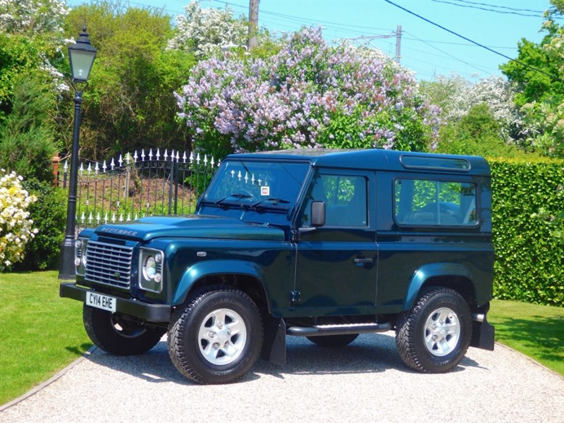 used Land Rover Defender 90 TDCI XS STATION WAGON JUST 21,000 MILES! FULL SERVICE HISTORY! in chelmsford-essex