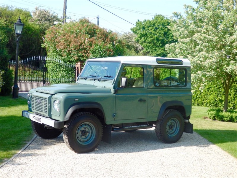 used Land Rover Defender 90 TDCI STATION WAGON RARE KESWICK GREEN SW! COUNTY SPEC!  in chelmsford-essex