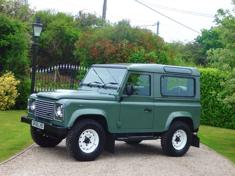used Land Rover Defender 90 TDCI COUNTY STATION WAGON RARE KESWICK GREEN! JUST 5,000 MILES 1 OWNER! in chelmsford-essex