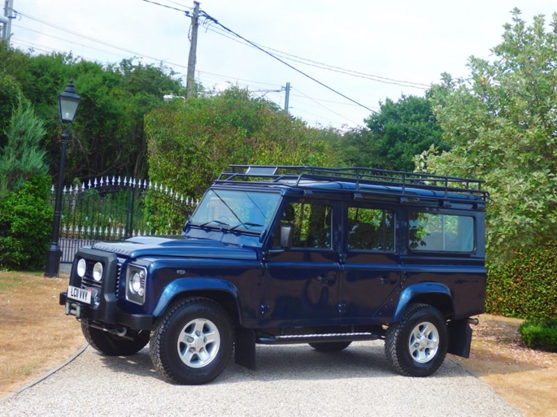 used Land Rover Defender 110 TDCI XS STATION WAGON JUST 52K MILES! NICE LAND ROVER EXTRAS! in chelmsford-essex