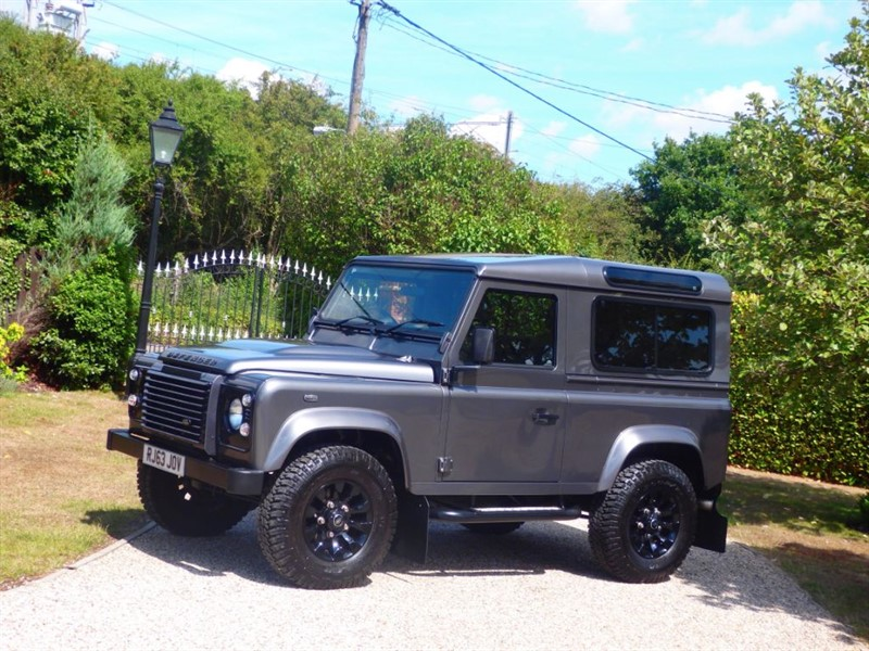 used Land Rover Defender 90 TDCI XS STATION WAGON 1 OWNER! VAT INCLUDED IN SALE PRICE! in chelmsford-essex