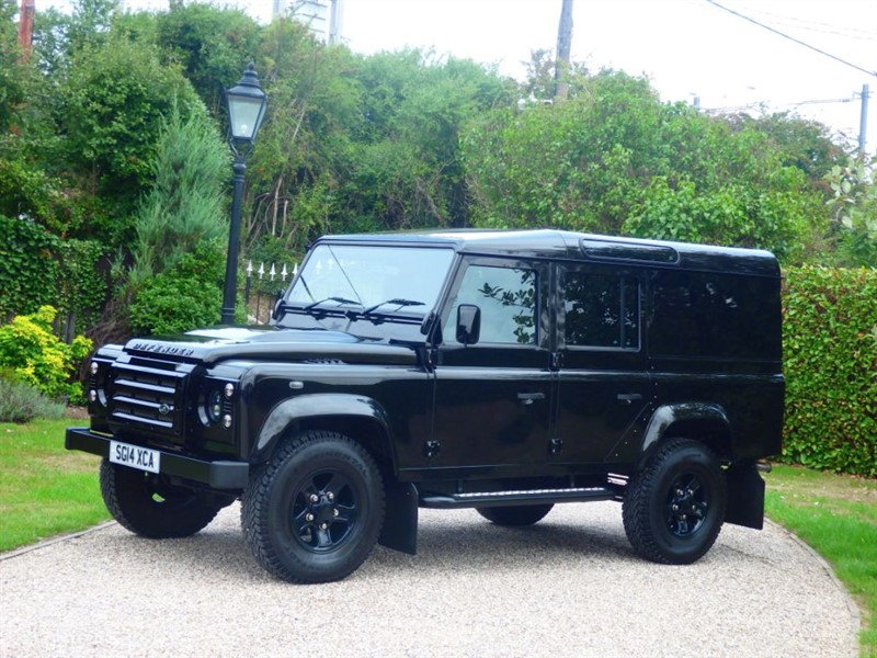 used Land Rover Defender 110 TDCI XS UTILITY WAGON PREMIUM SEATS! JUST 21K MILES! NO VAT!  in chelmsford-essex