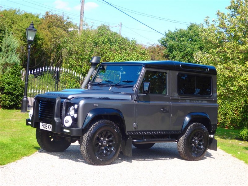 used Land Rover Defender 90 TDCI XS STATION WAGON MANY NICE EXTRAS! FSH in chelmsford-essex