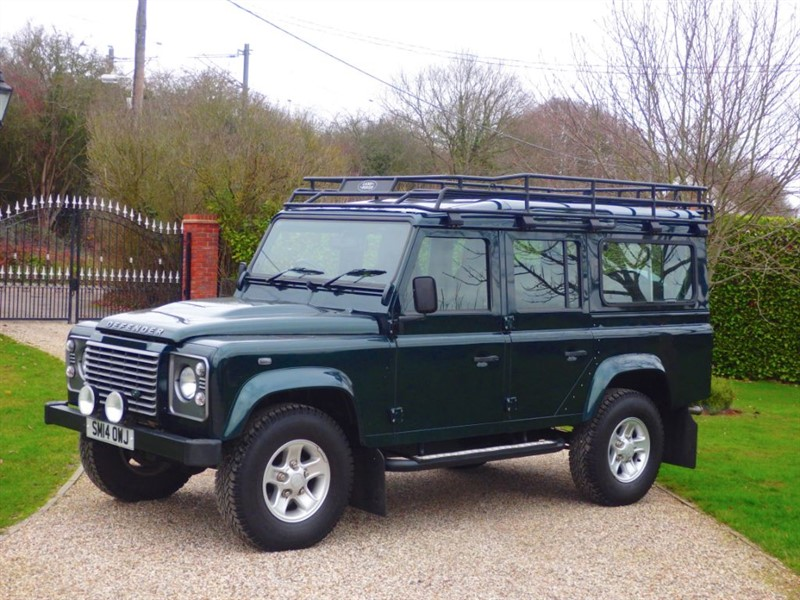 used Land Rover Defender 110 2.2 TDCI XS STATION WAGON FULL LR SERVICE HSITORY! 1 OWNER! LR EXTRAS!  in chelmsford-essex