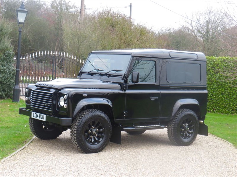 used Land Rover Defender 90 2.2 TDCI XS STATION WAGON 1 OWNER! JUST 6,500 MILES! RARE BAROLO BLACK!  in chelmsford-essex