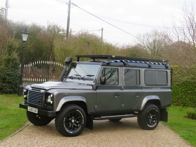 used Land Rover Defender 110 2.2 TDCI XS STATION WAGON MANY EXTRAS! 7 SEATER!  in chelmsford-essex