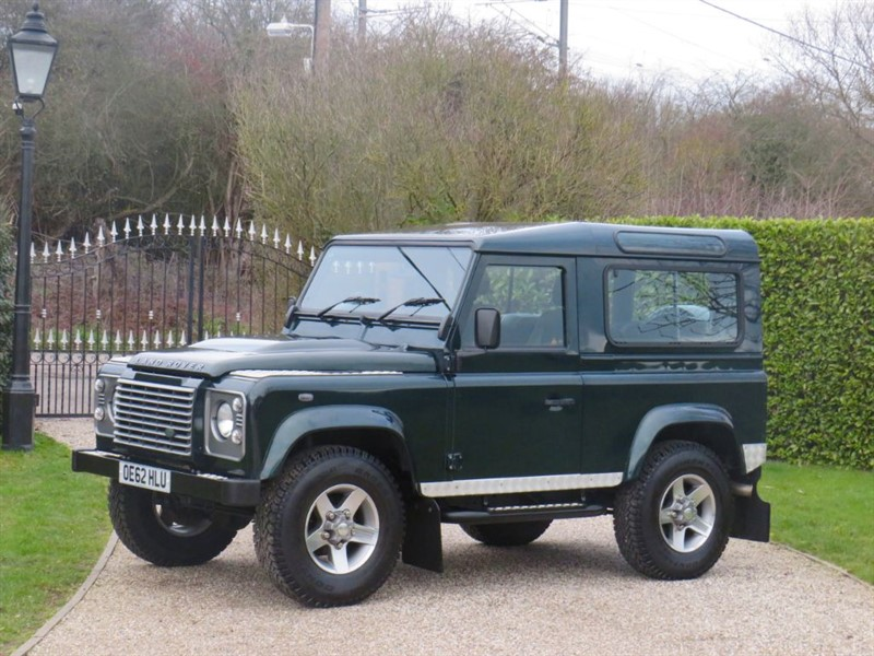 used Land Rover Defender 90 2.2 TDCI XS STATION WAGON AINTREE GREEN!  in chelmsford-essex