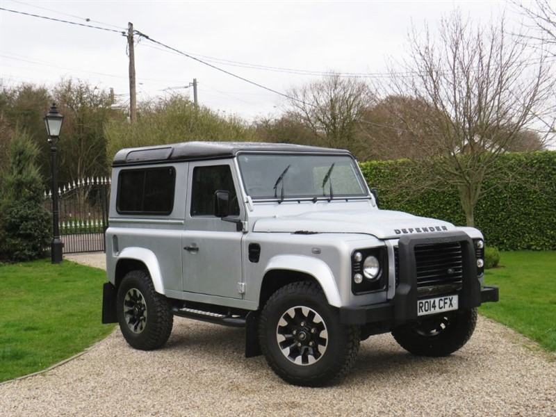 used Land Rover Defender 90 2.2 TDCI XS STATION WAGON 1 OWNER! PREMIUM SEATS! DIAMOND TURNED ALLOYS! in chelmsford-essex