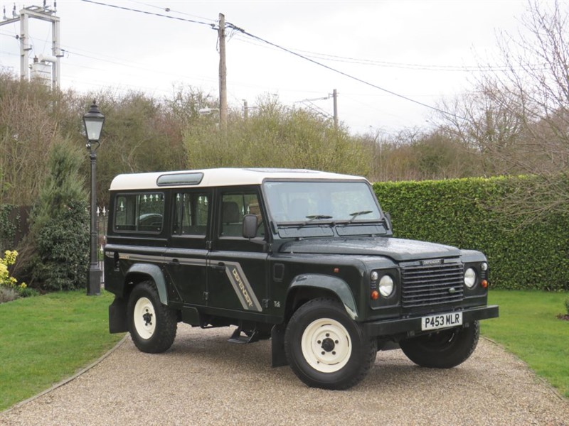 used Land Rover Defender 110 300 Tdi COUNTY STATION WAGON! 1 OWNER! JUST 36,000 MILES! VERY RARE!  in chelmsford-essex