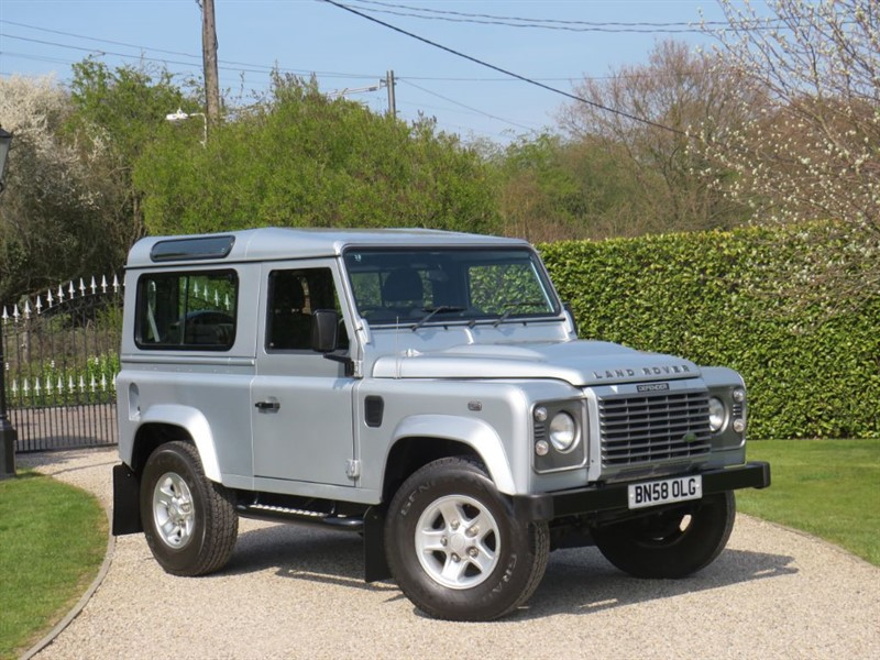 used Land Rover Defender 90 2.4 TDCI XS STATION WAGON JUST 43,000 MILES! WELL MAINTAINED! in chelmsford-essex