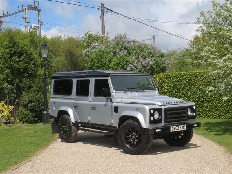 used Land Rover Defender 110 2.2 TDCI XS STATION WAGON 7 SEATER! GREAT EXTRAS! in chelmsford-essex